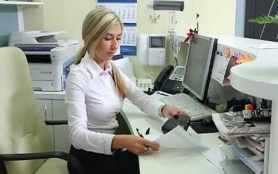 Работа секретарём в ОАЭ - что стоит знать, работая в этой профессии?