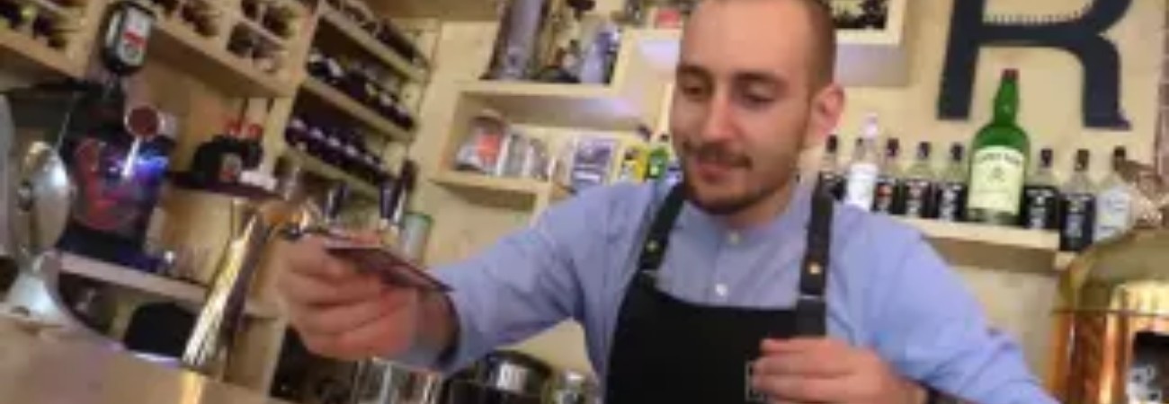 Работа в ОАЭ, бармен-бариста, Вакансия